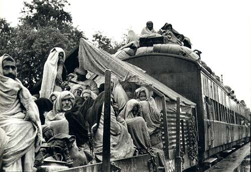 A train carries refugees during the Partition. Photo credit: Wikimedia Commons