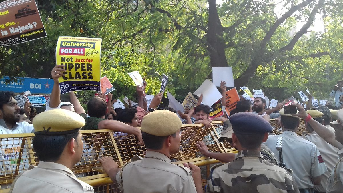 Students protest outside the CBI headquarters in New Delhi. Photo credit: Abhishek Dey